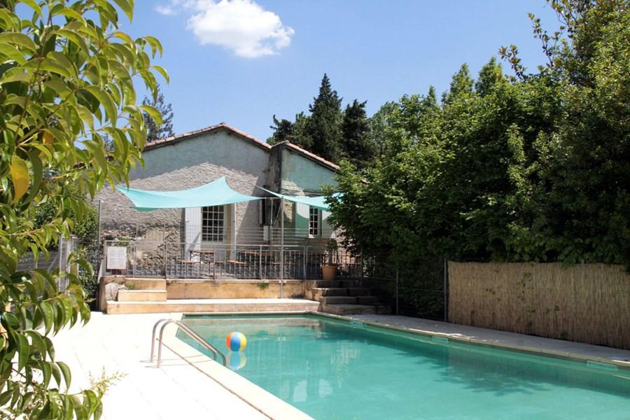 gruppenhaus-frankreich-le-moulin-5-pool_bild1
